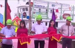 Nghệ An: Bàn giao tàu vỏ thép phục vụhậu cần nghề cá đầu tiên
