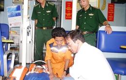 Tàu SAR 412 cứu nạn hai ngư dân thành công