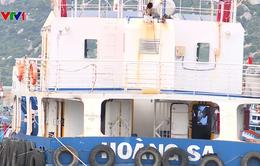 Ninh Thuận: Tàu vỏ thép 15 tỷ đồng nằm bờ