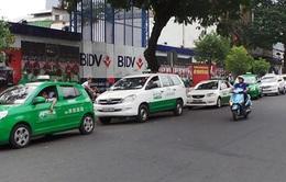 Hà Nội: Đề xuất cấm xe chở khách như taxi trên 5 tuyến phố