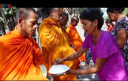 Xuân về trên phum, sóc Khmer trong ngày Tết Chol Chnam Thmay