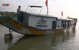 Thừa Thiên - Huế thả cá tái tạo nguồn lợi thủy sản trên sông Hương