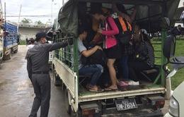 Vì sao lao động nước ngoài tại Thái Lan ồ ạt về nước?