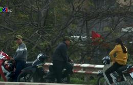 Bắt khẩn cấp 5 đối tượng cưỡng đoạt tài sản trên cầu Thăng Long