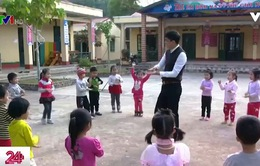 Thầy giáo múa dẻo, hát hay của trường mầm non Sảng Mộc