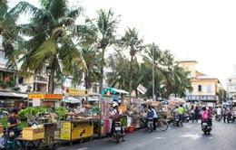 Hấp dẫn hàng trăm món ăn vặt ở phố hàng rong Cần Thơ