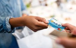 Có nên áp hạn mức thẻ tín dụng?
