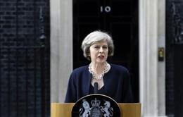 Thủ tướng Anh Theresa May dẫn đầu trước bầu cử