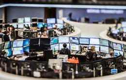 Thị trường chứng khoán châu Âu lao dốc phiên đầu tuần