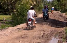 Vĩnh Long: Đường thi công dang dở gây khó khăn cho người dân