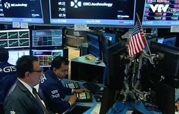 Thị trường chứng khoán châu Âu chìm trong sắc đỏ phiên đầu tuần