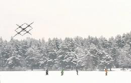 Thiết bị bay không người lái giúp giải cứu người trượt tuyết tại Latvia