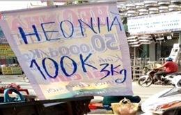 Thịt lợn 100.000 đồng/3kg bán tràn lan ở TP.HCM