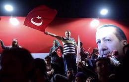 Trưng cầu dân ý ở Thổ Nhĩ Kỳ: Phe đồng ý sửa đổi Hiến pháp chiến thắng