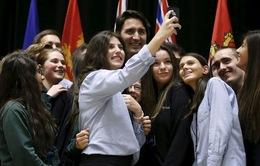 Thủ tướng Canada xuất hiện trong bức ảnh của sinh viên