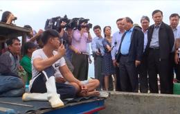 Thủ tướng kiểm tra khắc phục hậu quả bão số 12 tại Khánh Hòa