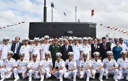 Thủ tướng dự lễ thượng cờ 2 tàu ngầm Kilo Đà Nẵng và Bà Rịa - Vũng Tàu