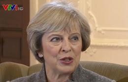 Người dân Anh phản ứng mạnh mẽ sau quyết định của Thủ tướng Theresa May