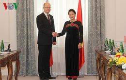 Chủ tịch Quốc hội hội kiến Thủ tướng Czech