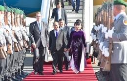 Thủ tướng tới Berlin, gặp gỡ đại diện người Việt tại Đức