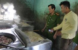 """Đà Nẵng: Thưởng """"nóng"""" cho người báo tin thực phẩm bẩn"""