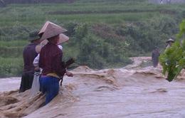 Bà Rịa - Vũng Tàu: Hàng chục hộ dân tháo chạy vì vỡ bờ kênh