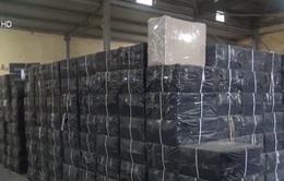 Xử lý 21 container thuốc lá bị tạm giữ tại cảng Quy Nhơn
