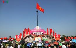 Lễ thượng cờ Thống nhất non sông 2017 tại bờ Hiền Lương lịch sử