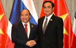 Thủ tướng hội đàm với Thủ tướng Thái Lan