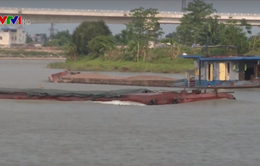 Nam Định: Phương tiện thủy lưu thông không có số hiệu đăng kiểm