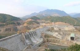 Chặn dòng tích nước thủy điện Trung Sơn