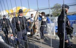Pháp giải tán một khu trại tị nạn gần Paris