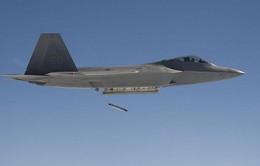Tiêm kích tàng hình F-22 Mỹ lần đầu dội bom diệt Taliban
