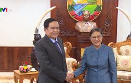 Chủ tịch QH Lào đề nghị Mặt trận Tổ quốc Việt Nam tiếp tục chia sẻ kinh nghiệm