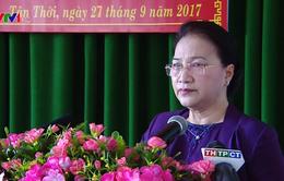 Chủ tịch Quốc hội tiếp xúc cử tri tại Phong Điền, Cần Thơ