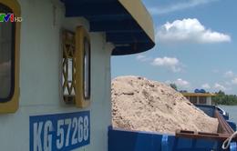 Cần Thơ liên tiếp bắt sà lan chở cát trái phép