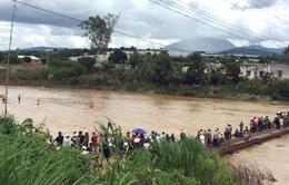 Tìm thấy thi thể cháu bé bị lũ cuốn trôi trên sông Đa Nhim, Lâm Đồng