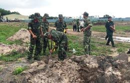 Phát hiện nhiều di vật, củng cố thông tin về mộ liệt sỹ tại sân bay Tân Sơn Nhất