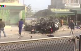 Ô tô gây tai nạn liên hoàn, 4 người thương vong