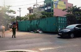 Điều tra nguyên nhân vụ xe container đè nát xe con ở Nam Định