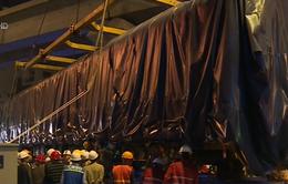 Toa tàu đầu tiên tuyến Cát Linh - Hà Đông được đưa vào đường ray