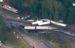 Đoàn xe lửa bị trật ray tại Mỹ, hơn 100 người bị thương