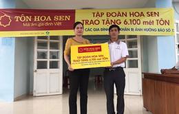Tập đoàn Hoa Sen trao tặng 6.100m tôn cho người dân vùng bão