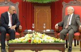 Tổng Bí thư tiếp Đại sứ Cuba