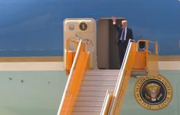 Chùm ảnh: Tổng thống Mỹ Donald Trump vẫy chào Đà Nẵng từ chuyên cơ Air Force One