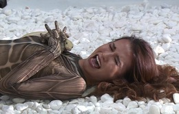 Vietnam's Next Top Model 2017 - All Stars: Thí sinh khóc thét, run rẩy vì phải chụp hình với trăn