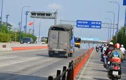 TP.HCM lắp bảng chỉ đường song ngữ Việt - Anh