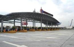 Tháo dỡ trạm thu phí Đại Xuyên trên cao tốc Pháp Vân - Ninh Bình trước 30/4