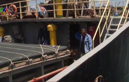 Chống tràn dầu ra biển sau sự cố tàu Việt Hải 06