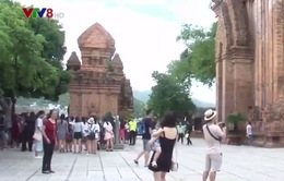 Khánh Hòa xây dựng ý thức về trang phục cho du khách tại các điểm đến tâm linh